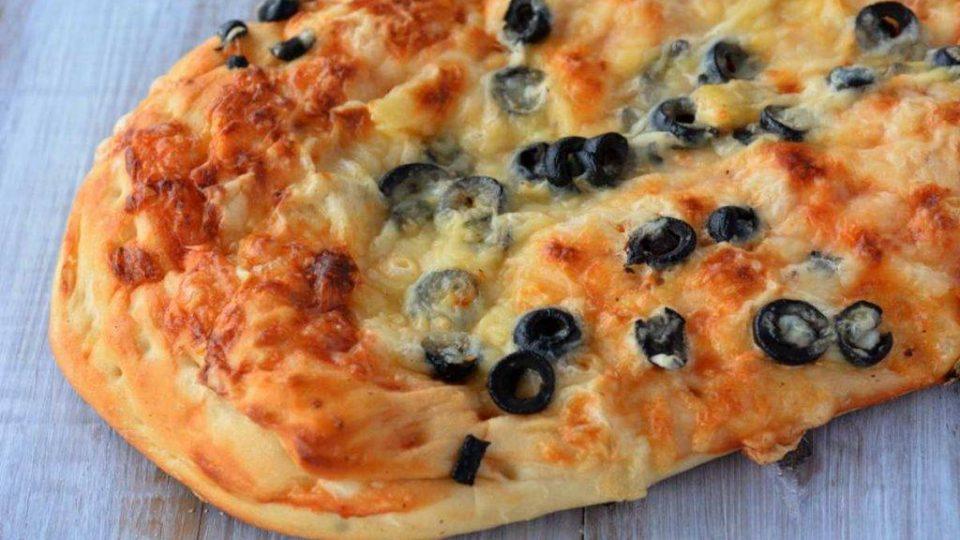 Rustico con carciofi ed olive, gustosa bontà con ortaggi appetitosi
