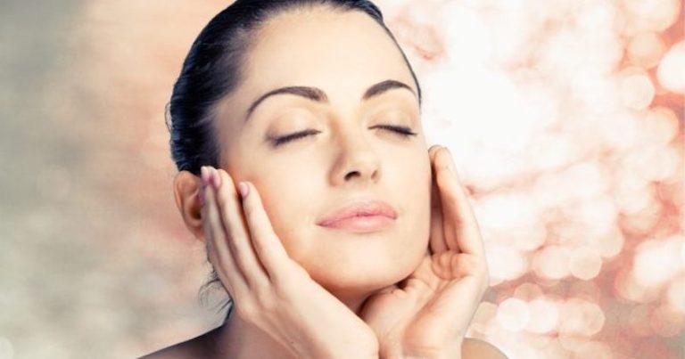 Scrub facciale casalingo per una pelle del viso sempre bella e pulita
